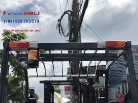 Đèn cảnh báo trên thiết bị xe nâng điện 3 tấn pin lithium