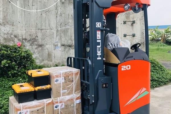 xe-nang-reach-truck-heli