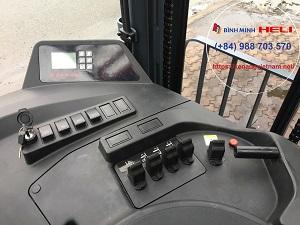 Hệ thống điều khiển xe nâng reach truck
