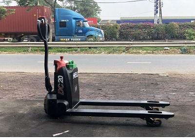 xe nâng tay điện 2 tấn