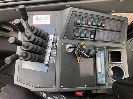 tay điều khiển hệ xe nâng 13.5 tấn